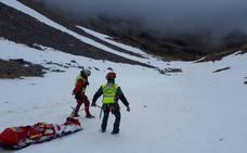 Muere una montañera madrileña de 56 años en el pico Mampodre de León