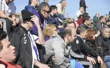 Más de 400 aficionados arropan al Real Valladolid antes de recibir al Espanyol