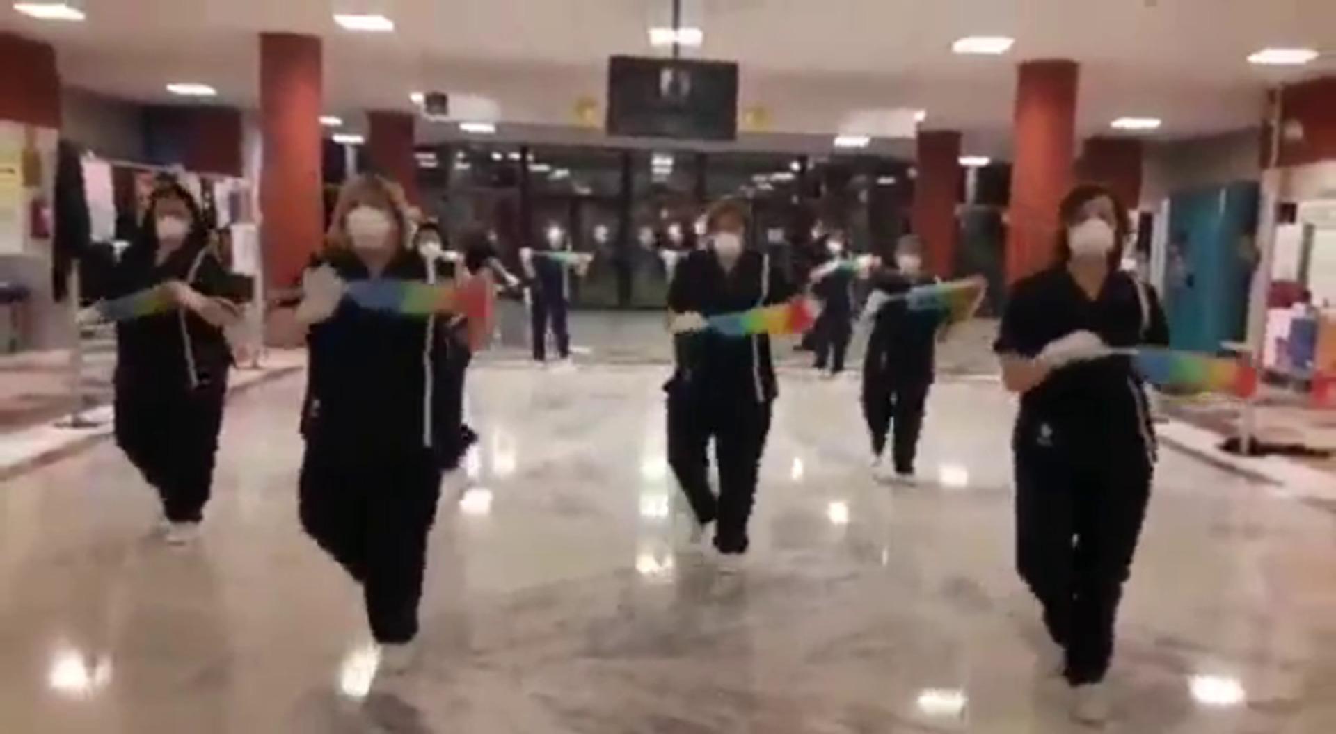 El personal de limpieza de Facultad de Filosofía y Letras de la UVA mandar ánimo, fuerza y resistencia con este vídeo