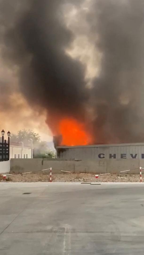 incendio taller Chevi en Palencia