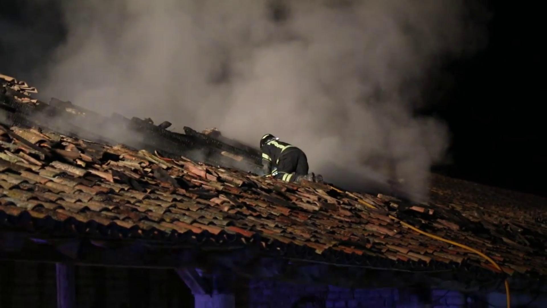 Arde una nave agrícola próxima a Piñel de Abajo, en Valladolid