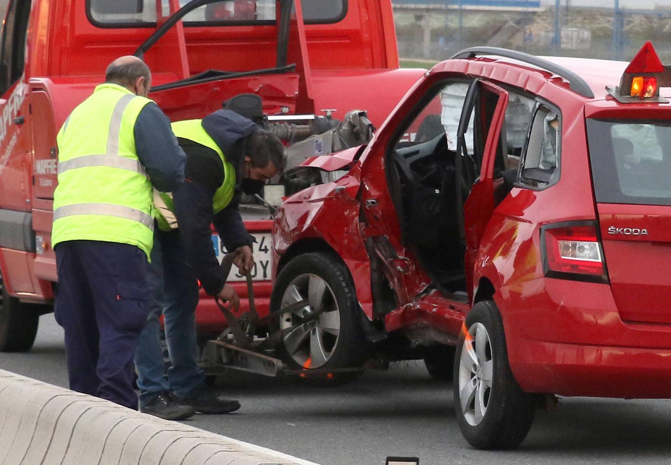 Accidente entre dos vehículos en el cruce de Garcillán