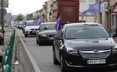 Decenas de coches piden que se construya ya la Autovía del Duero