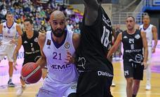 El UEMC Real Valladolid gana desde la defensa