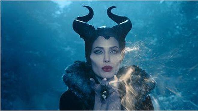 Los hechizos de Jolie y los saltos temporales de Cruise llegan a la cartelera