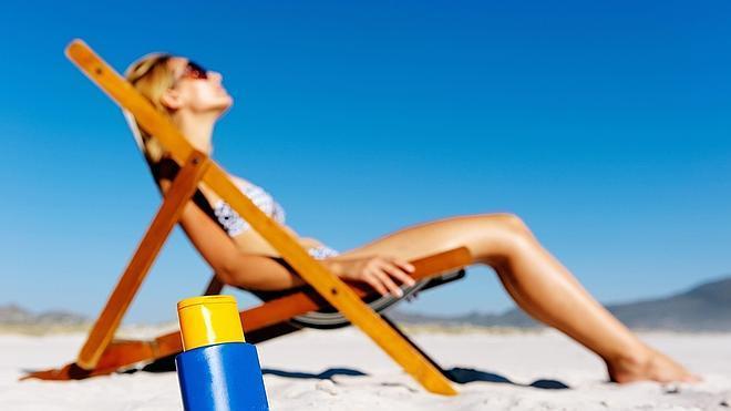 Las cremas de protección solar no evitan totalmente el melanoma