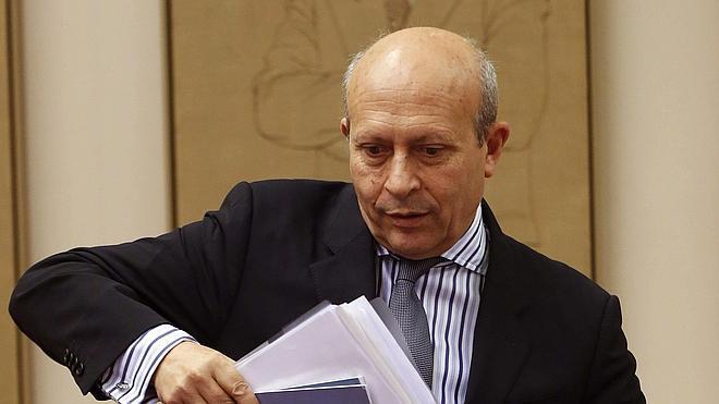 Wert anuncia que la implantación de la Lomce no generará deuda a las comunidades