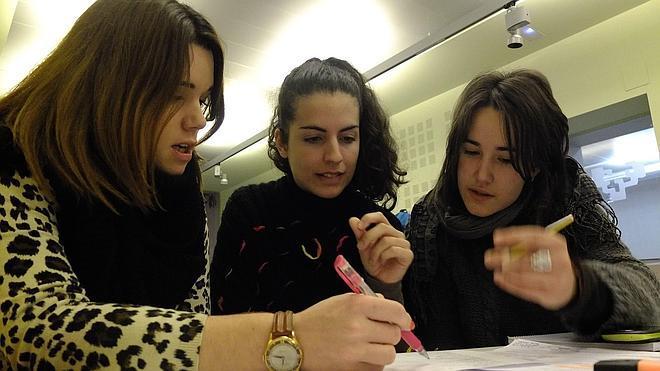 Estudiantes piden a Educación que reinvierta el sobrante de las becas Erasmus