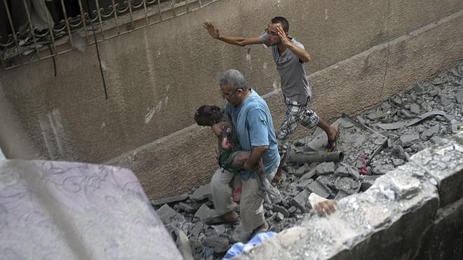 Israel intensifica los bombardeos en Gaza mientras la diplomacia se despereza
