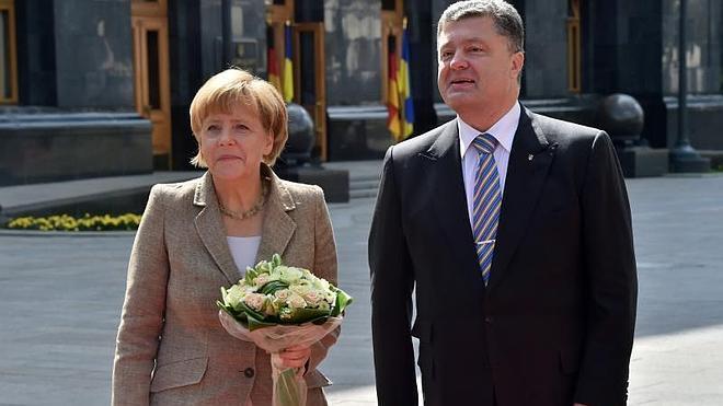Merkel reitera en Kiev su apoyo a la integridad territorial de Ucrania