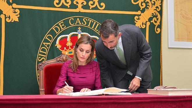 El Rey anima a las universidades a colaborar más con las empresas