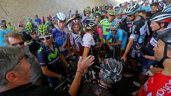 Una tormenta de arena obliga a anular la quinta etapa de la Vuelta a Omán