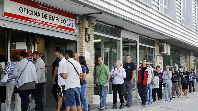 El paro siguió bajando en la eurozona en enero