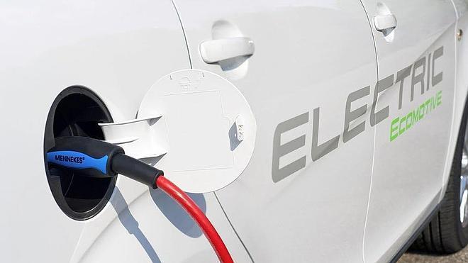 Crean el primer neumático que recarga la batería de un coche eléctrico o de un híbrido