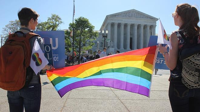 EE UU recomienda derogar la prohibición a los homosexuales para donar sangre