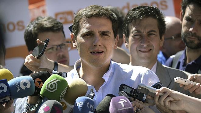 Rivera: «El problema de Andalucía es que el PSOE no suelta lastre»