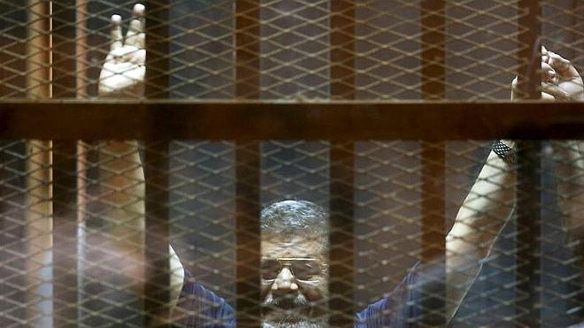 EE UU, «profundamente preocupado» por la condena a muerte a Mursi