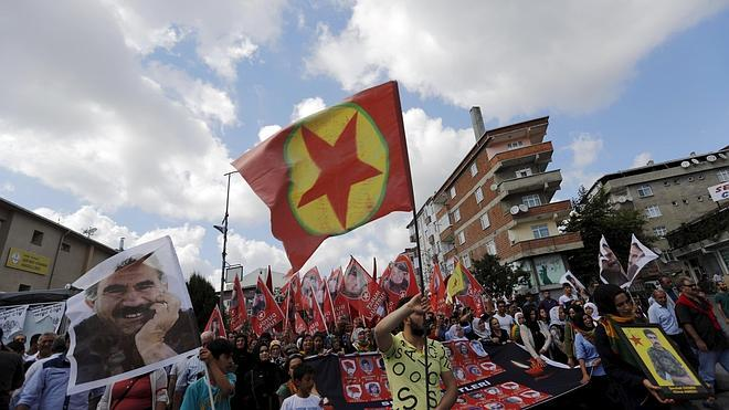El PKK reivindica el asesinato de dos policías turcos en represalia por el atentado de Suruc