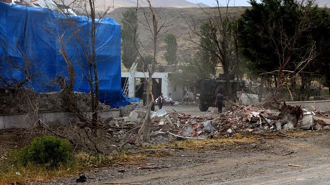 Dos muertos en un atentado suicida del PKK contra una gendarmería en Turquía
