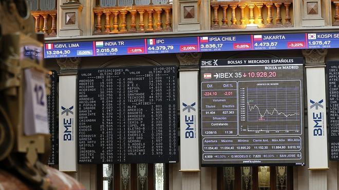 El Ibex pierde un 0,63% en la sesión y un 2,67% en la semana
