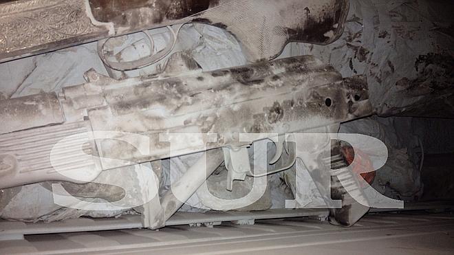 Hallan armas y explosivos en el maletero de un coche en Málaga