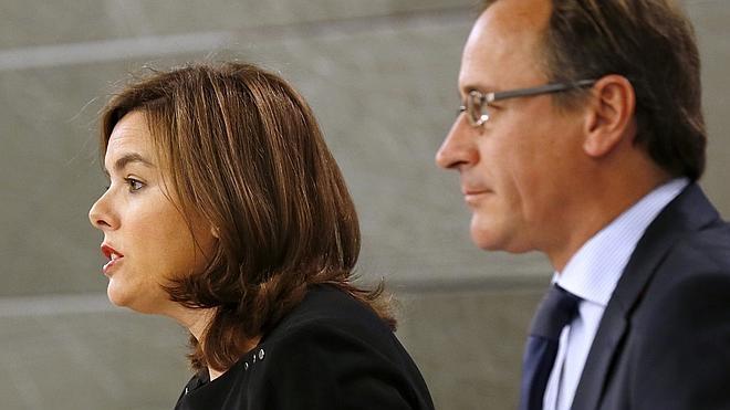 La vicepresidenta advierte a Mas de que la razón y la legalidad «no se compran»