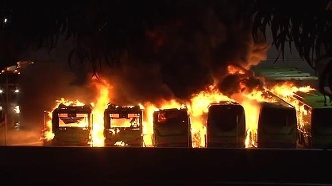 Queman ocho autobuses en Vizcaya en un sabotaje en «apoyo» a un preso de ETA