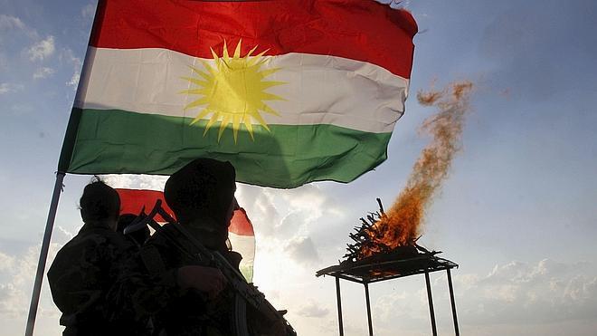 Fuerzas kurdas iraquíes anuncian haber arrebatado Sinjar al Estado Islámico