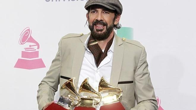 Juan Luis Guerra evita el pleno de Lafourcade en unos politizados Grammy Latinos