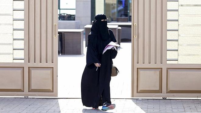 Arabia Saudí celebra las primeras elecciones abiertas a las mujeres