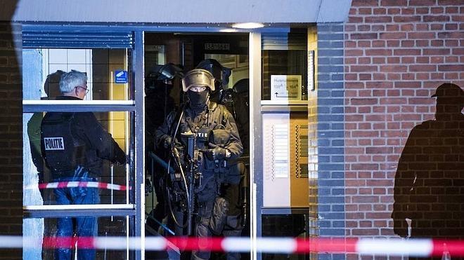 Hallan munición, dinero y drogas en casa del francés detenido en Holanda