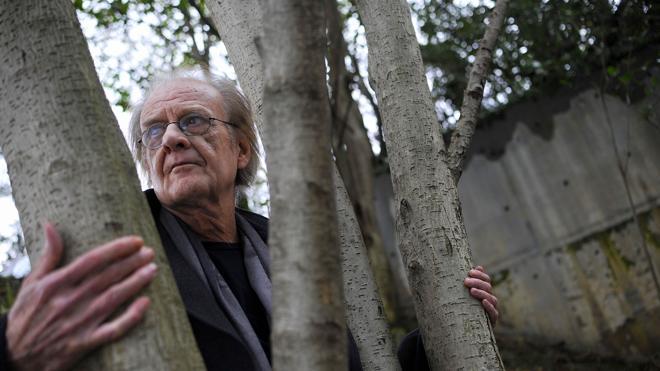 Luis Eduardo Aute se recupera de un infarto en un hospital de Madrid