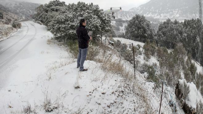 La nieve persistirá el viernes en el sureste tras una jornada con numerosas incidencias