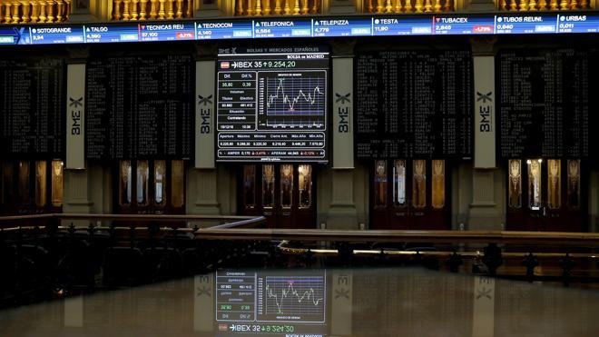 Las Bolsas caen con el dólar mientras el Ibex-35 cierra enero con un declive del 0,39%