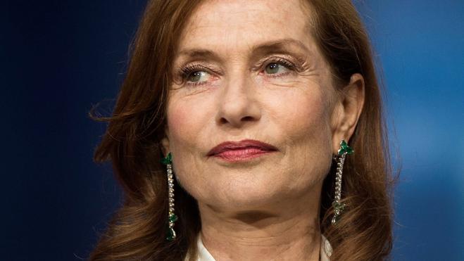 Ella: Una actriz de extrañeza y entraña