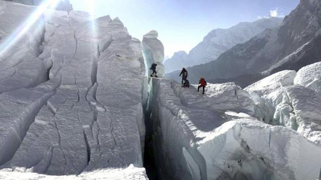 Txikon abandona la ascensión al Everest