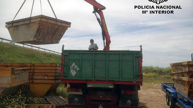 Detenidos en Burgos por hurto de contenedores en una empresa