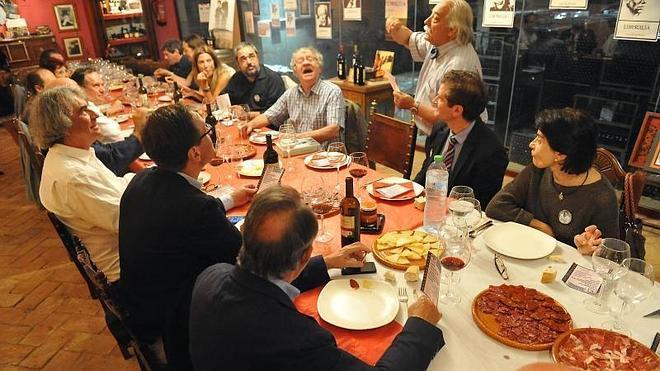 Gustosa cena buñueliana y buen vino