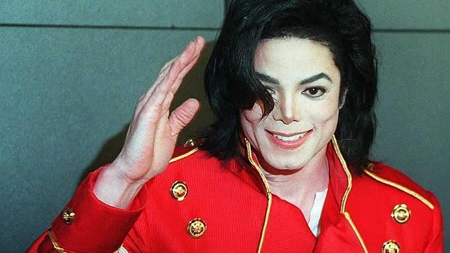 Michael Jackson llegó a orinar en el suelo de Neverland, según sus empleadas