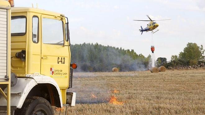 Extinguido tras quemar 20 hectáreas el incendio registrado en Valdefresno