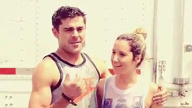 Zac Efron y Ashley Tisdale se mojan con agua helada contra la ELA
