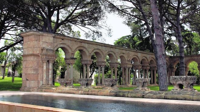 La Catedral apoya la tesis de la falsedad del claustro de Palamós