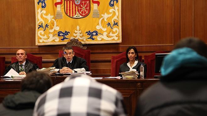Los acusados de asaltar a hosteleros de Pedraza se rebelan contra sus defensas y el tribunal