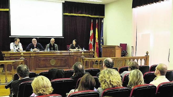 «Las raíces vigorosas solo las ve Rajoy y su equipo de Gobierno»