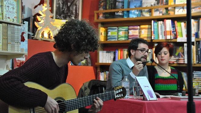 Javier Oleaga pone música al segundo poemario de Sesi García