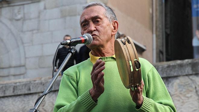Músicos y amigos organizan un homenaje al cantante Ismael Peña en Madrid