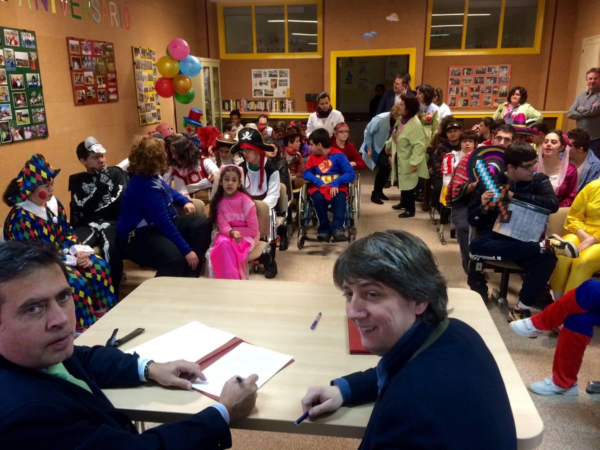 El Ayuntamiento colaborará con el colegio Santa Isabel en los gastos de mantenimiento del centro de educación especial