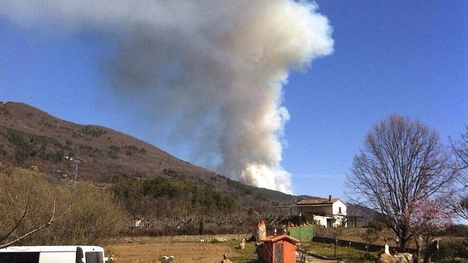 Controlado el incendio entre Arenas de San Pedro y Poyales del Hoyo