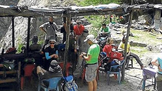 El seísmo sorprende a 21 castellanos y leoneses haciendo trekking en el Annapurna II
