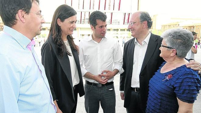 Tudanca pide el voto a la «gente decente» que se avergüenza del PP